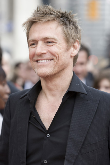 How tall is Bryan Adams