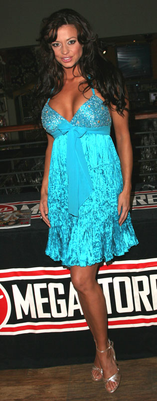 How tall is Candice Michelle
