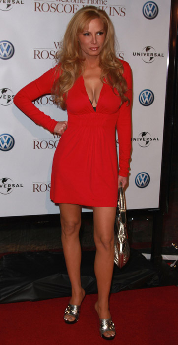 How tall is Cindy Margolis