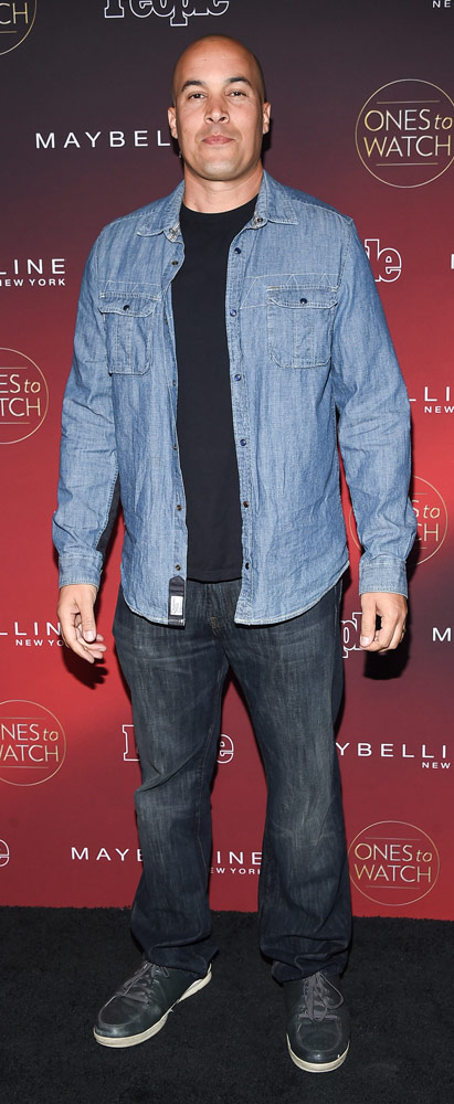 How tall is Coby Bell