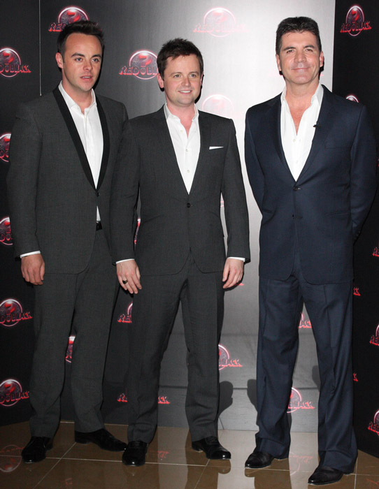 How tall is Declan Donnelly
