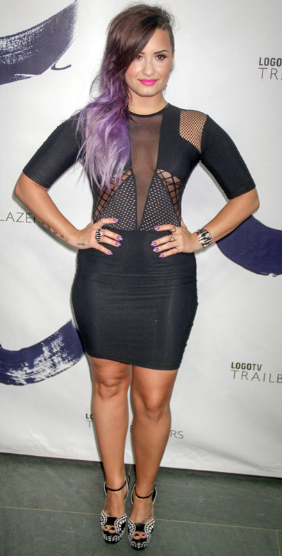 How tall is Demi Lovato