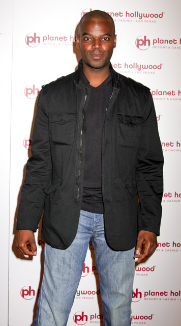 How tall is Demore barnes