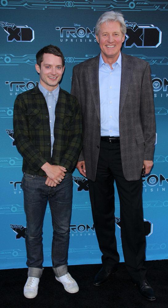 How tall is Elijah Wood