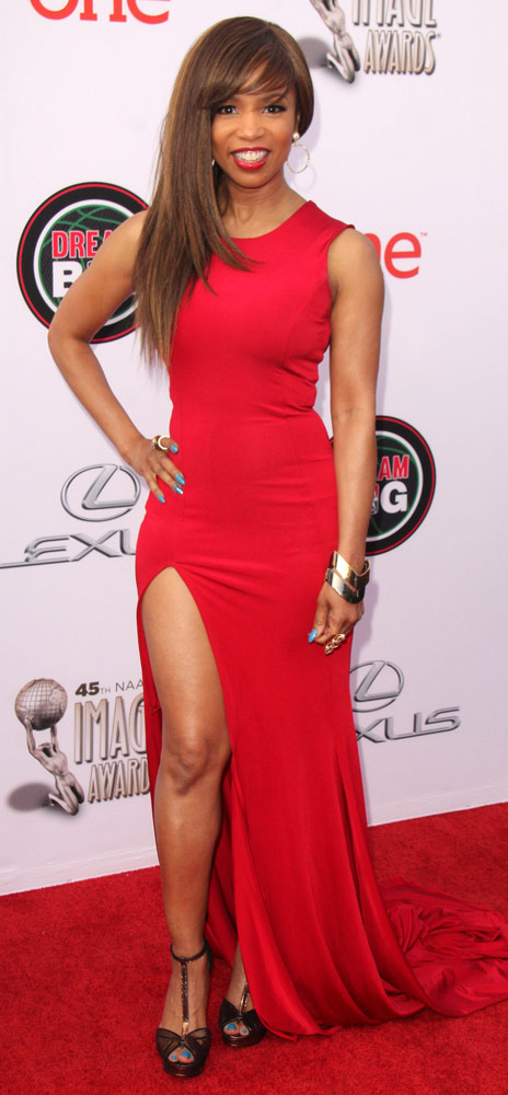 How tall is Elise Neal