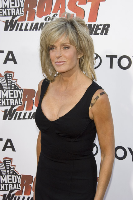 How tall is Farrah Fawcett