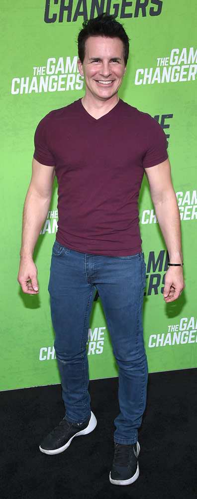How tall is Hal Sparks