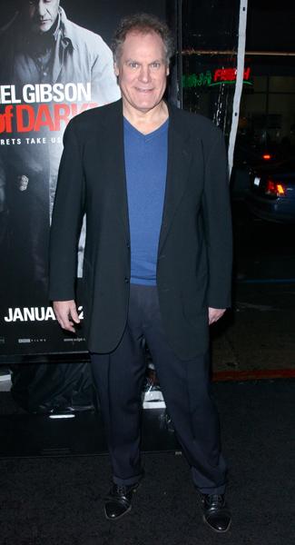 How tall is Jay Sanders