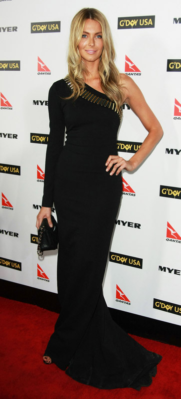 How tall is Jennifer Hawkins