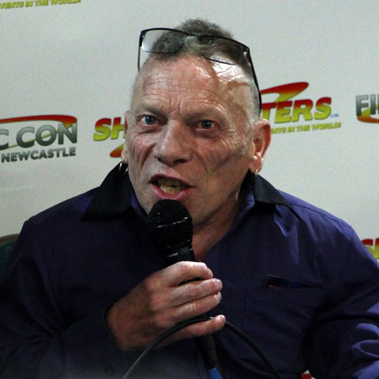 How tall is Jimmy Vee