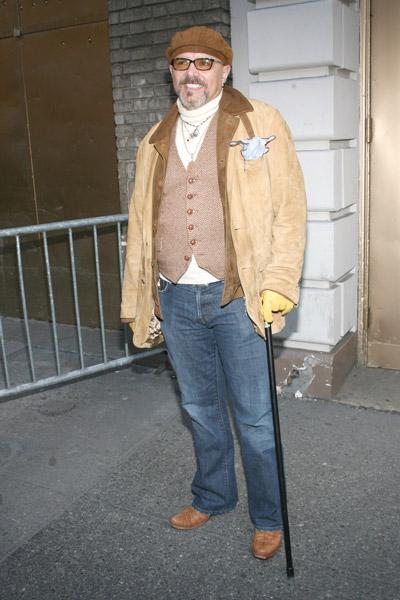 How tall is Joe Pantoliano