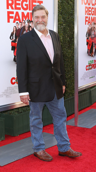 How tall is John Goodman