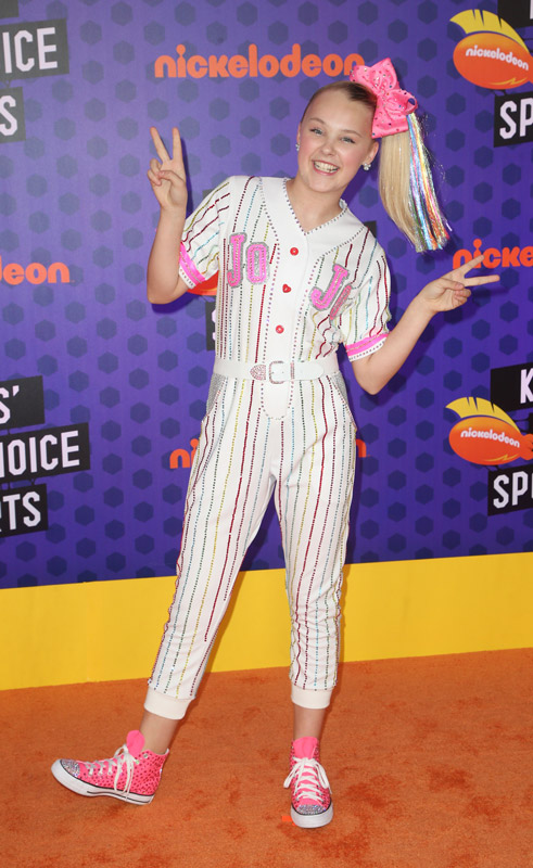 How tall is Jojo Siwa