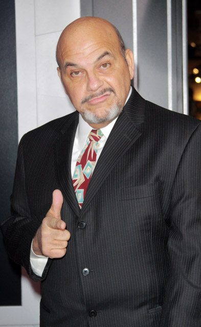 How tall is Jon Polito