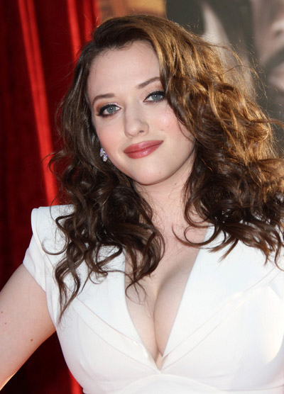 How tall is Kat Dennings