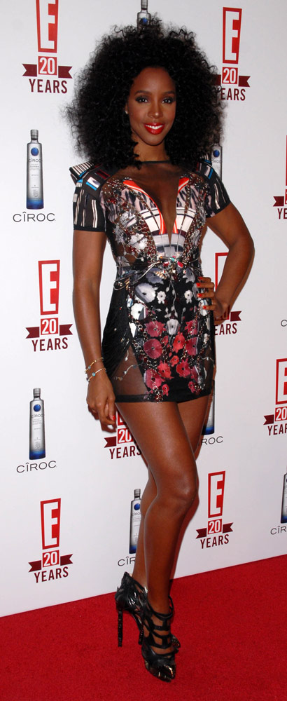 How tall is Kelly Rowland