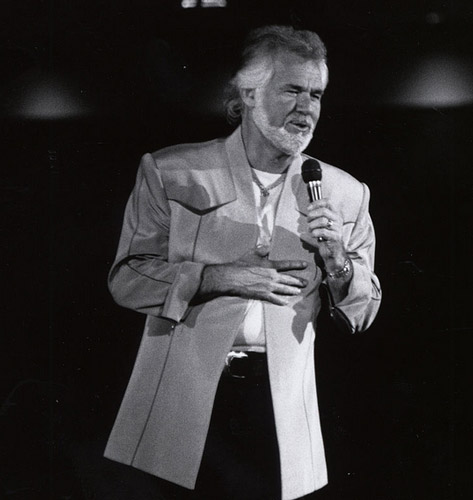 How tall is Kenny Rogers