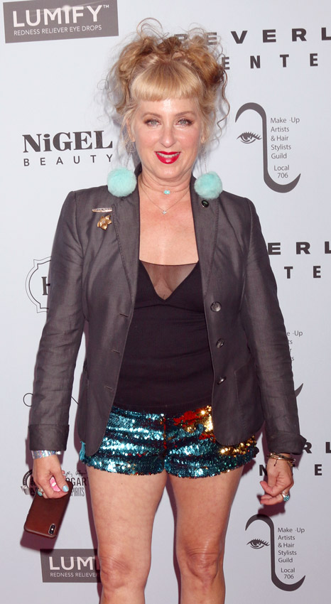 How tall is Kimmy Robertson