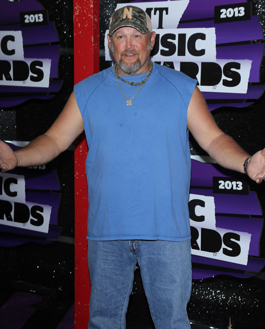 How tall is Larry the Cable Guy