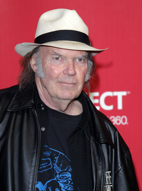 How tall is Neil Young