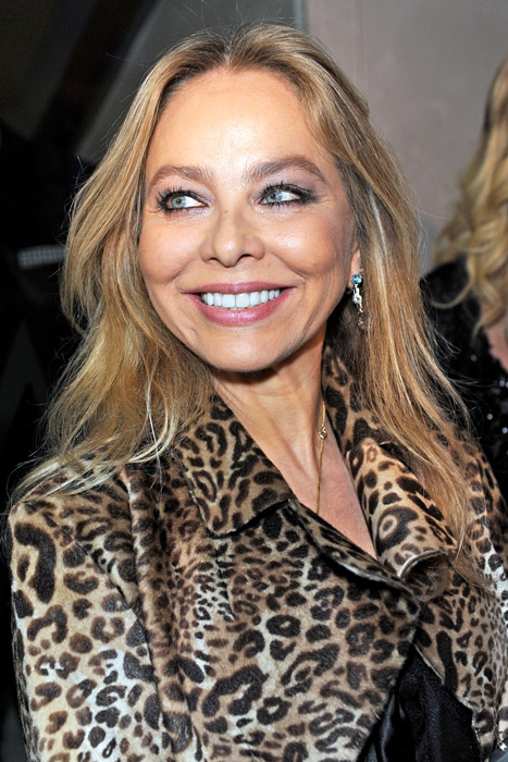 How tall is Ornella Muti