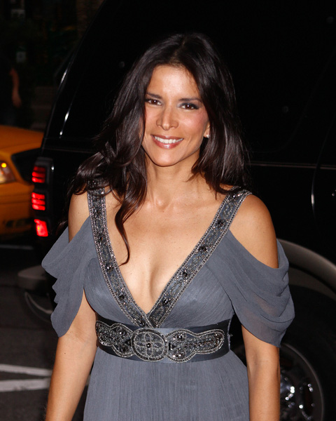 How tall is Patricia Velasquez