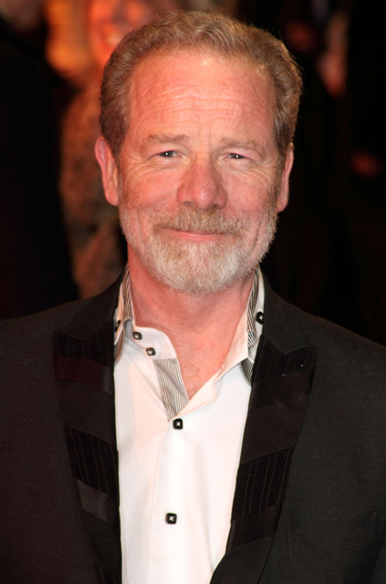 How tall is Peter Mullan