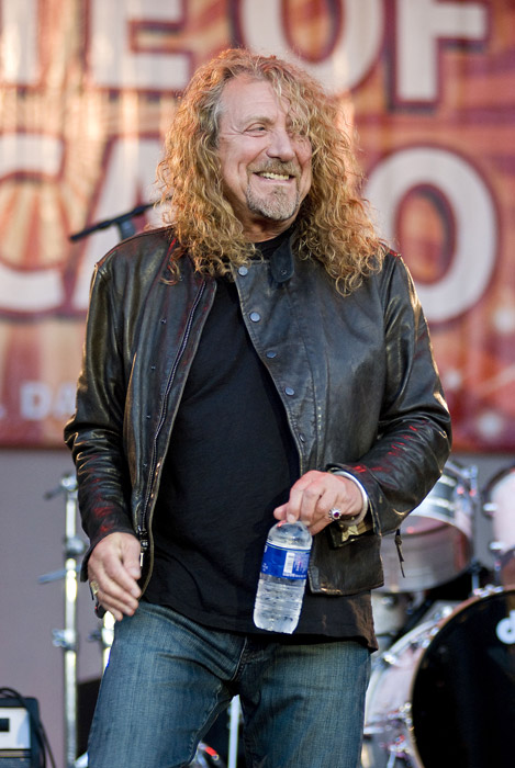 How tall is Robert Plant