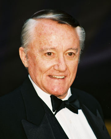 How tall is Robert Vaughn