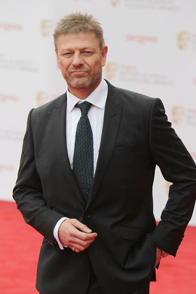 How tall is Sean Bean