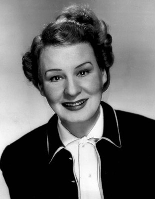 how tall is shirley booth