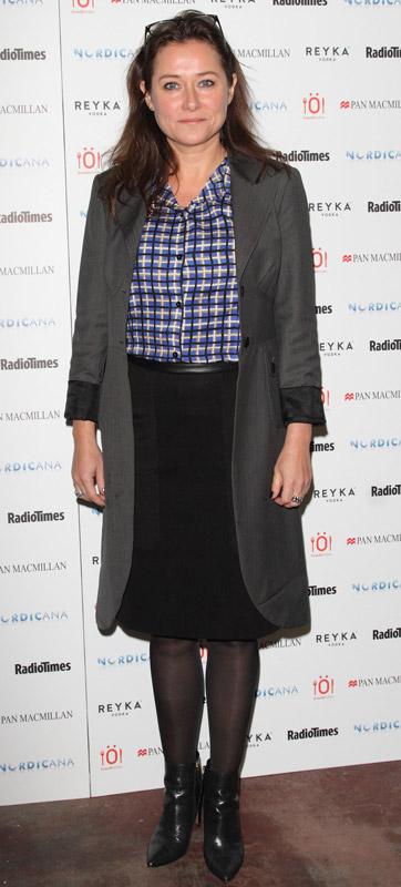 How tall is Sidse Babett Knudsen
