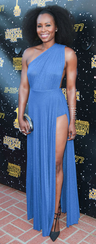 How tall is Sydelle Noel