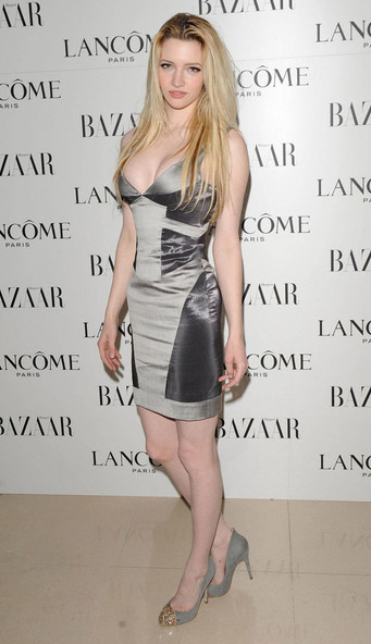 How tall is Talulah Riley