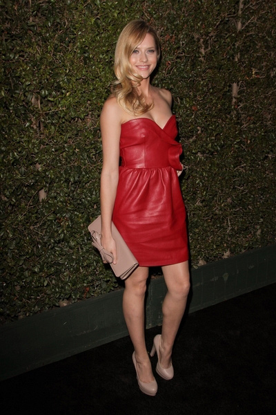 How tall is Teresa Palmer