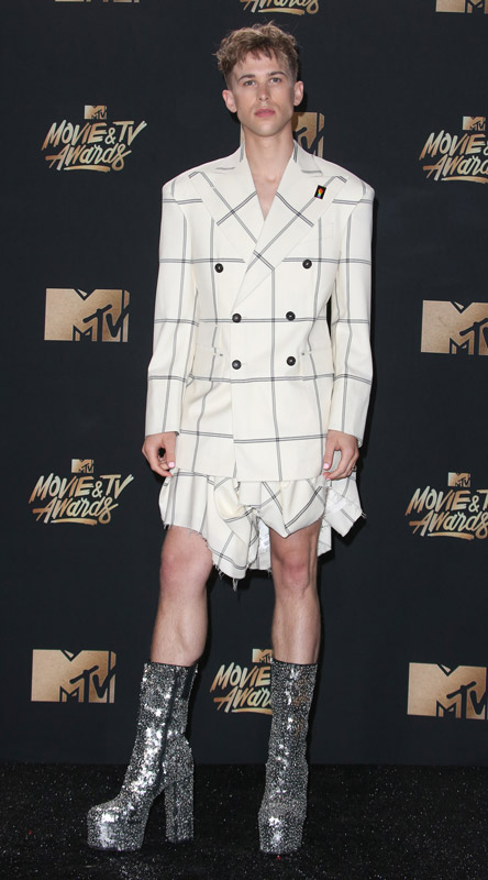 How tall is Tommy Dorfman