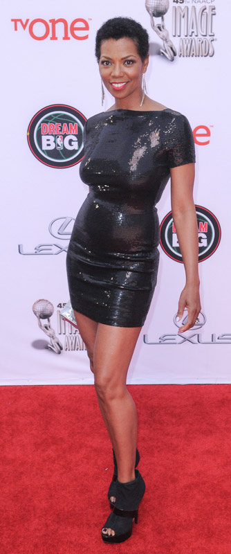 How tall is Vanessa A Williams