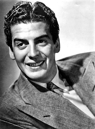How tall was Victor Mature