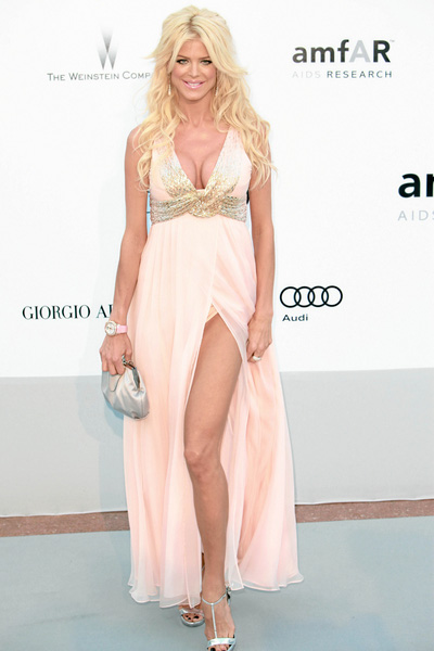 How tall is Victoria Silvstedt