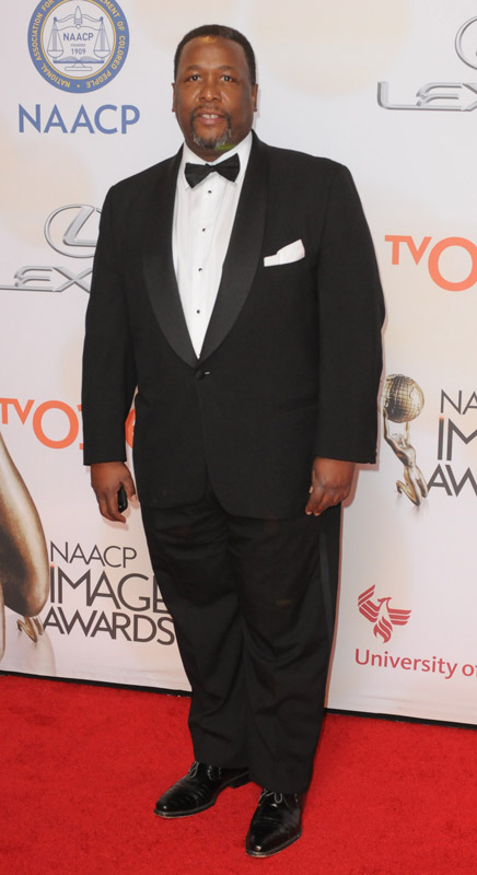 How tall is Wendell Pierce